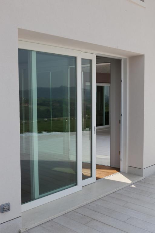 Prodotti infissi grate porte finestre emmeserramenti - Porta finestra blindata ...